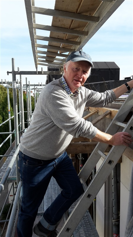 Der Bauunternehmer schaut nach dem Rechten - Konrad Grevenkamp